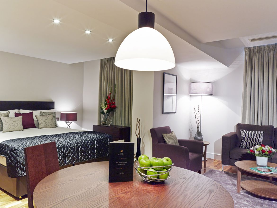 Harrington-Court-Apartments-South-Kensington---Urban-Stay-Luxury-Accommodation-Central-London---living-room-2