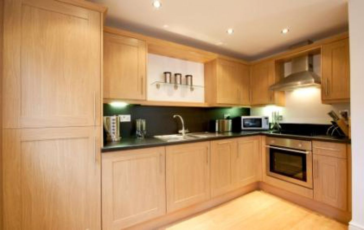 Newbury-Short-Let-Accommodation---Old-Library-Apartments-Available-Now!-Book-Corporate-Serviced-Apartments-in-Newbury!-Free-W-fi,-Offsite-Parking-&-Lift