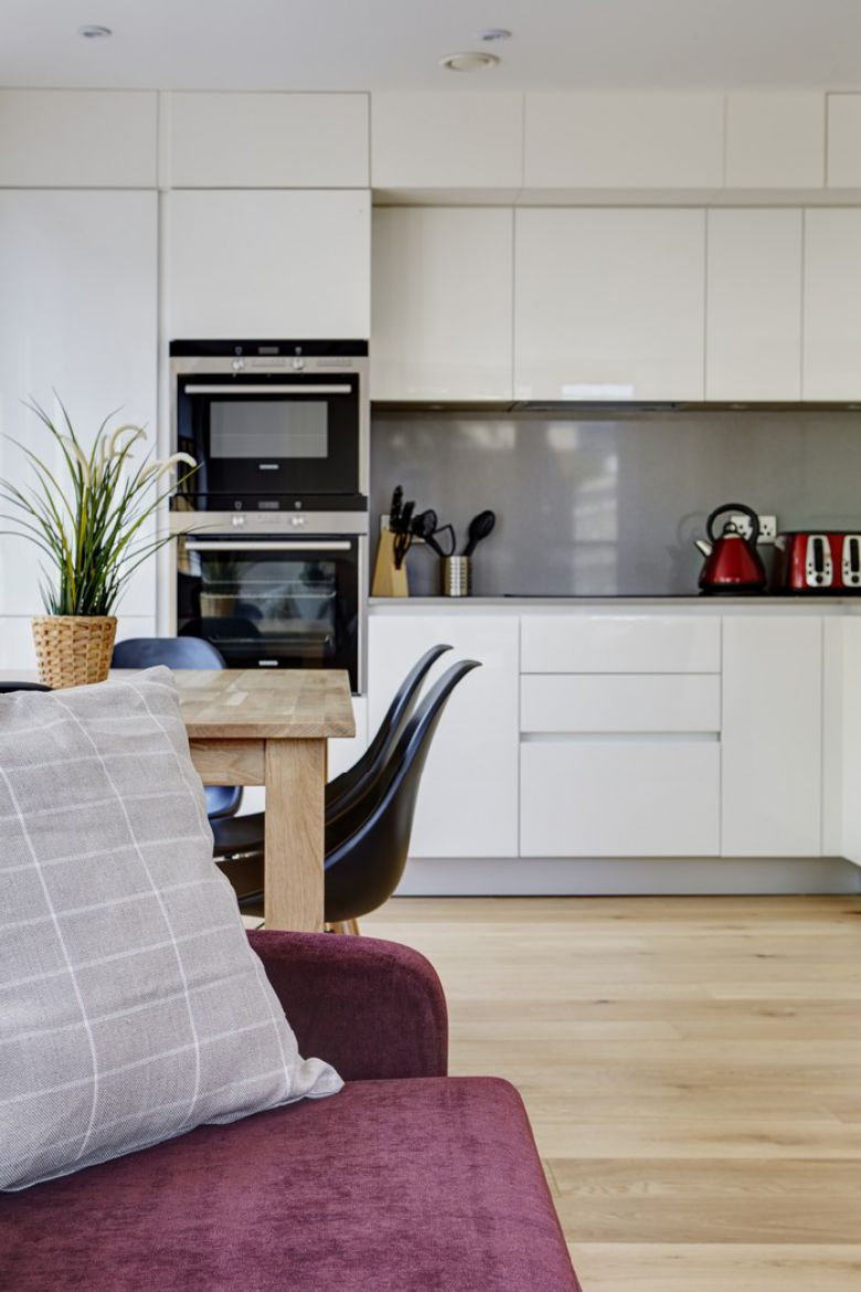 Lambeth-North-Apartments-London|-Stylish-Corporate-Apartments-Waterloo-|-Free-Wifi-&-Weekly-Cleaning-|-Private-Balcony-|-0208-6913920|-Book-With-Urban-Stay