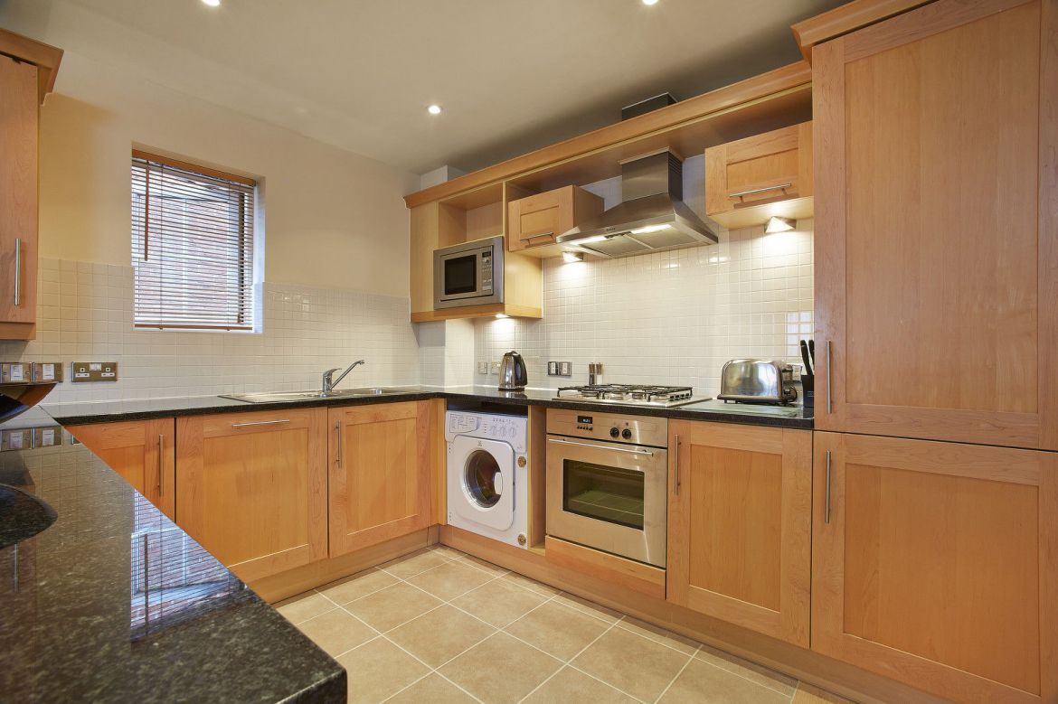 Guildford-Serviced-Apartments---Short-Let-Accommodation-Woking---Cheap-Self-catering-Holiday-Accommodation-UK-–-Best-hotel-alternative-–-Guildown-Court-Apartments---Urban-Stay