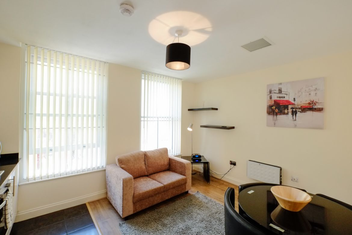 Cool-&-Trendy-Serviced-Accommodation-Shoreditch-available-now!-Book-Short-Let-Apartments-near-Liverpool-Street,-Spitalfields-&-Brick-Lane-at-low-cost-today!