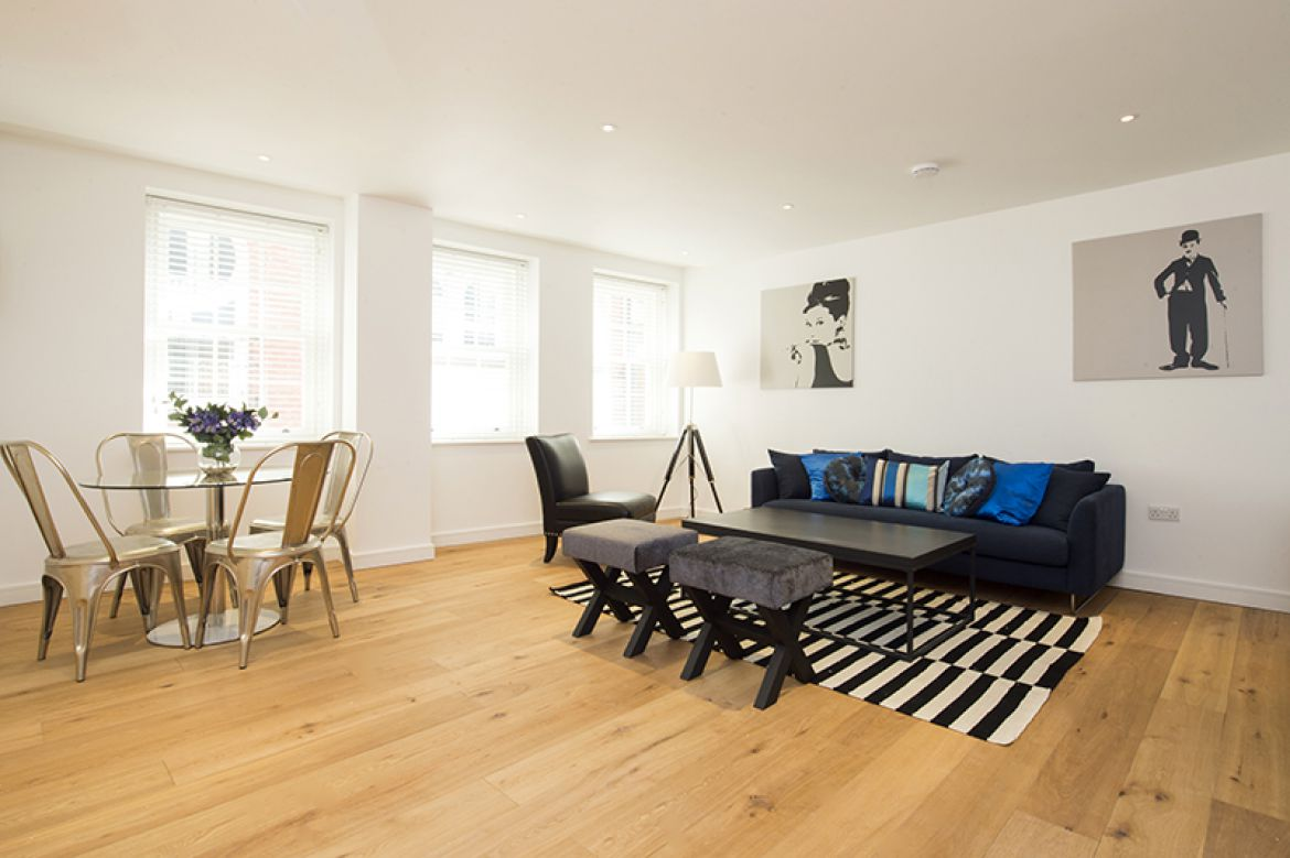Lovat-Lane-Serviced-Apartments-Monument,-London-|-Urban-Stay