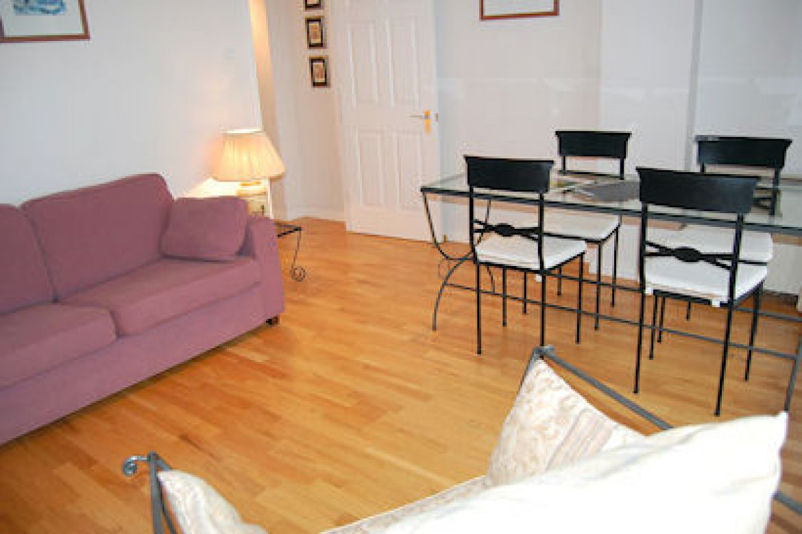 Cathedral-Lodge-Serviced-Apartments-Clerkenwell,-London-|-Urban-Stay