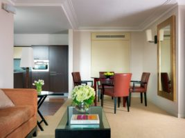 Luxury Accommodation Chelsea - Phoenix House Serviced Apartments Central London. Luxury self-catering accommodation London with aircon, free Wifi, 24h reception, Sky TV. | Urban Stay