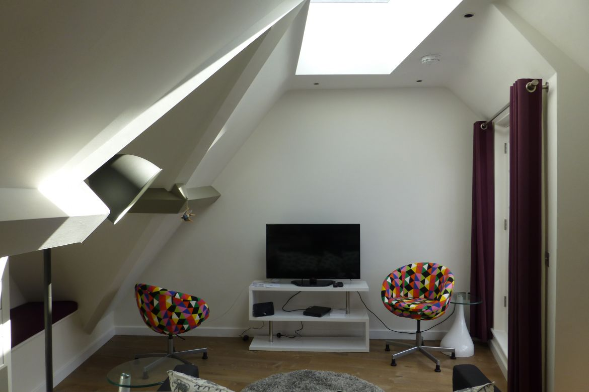 Stylish Living Room at Rose Street Serviced Apartments Covent Garden - London