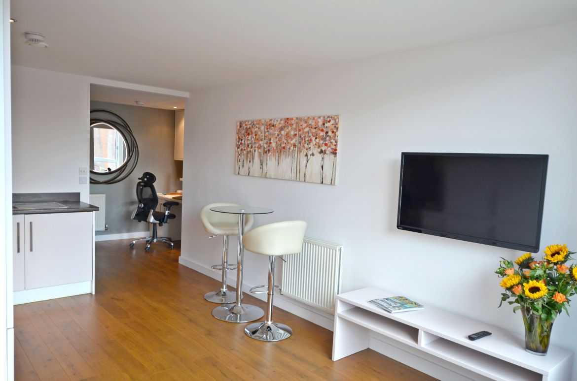 Lamb's Passage Serviced Apartment Clerkenwell, London | Urban Stay