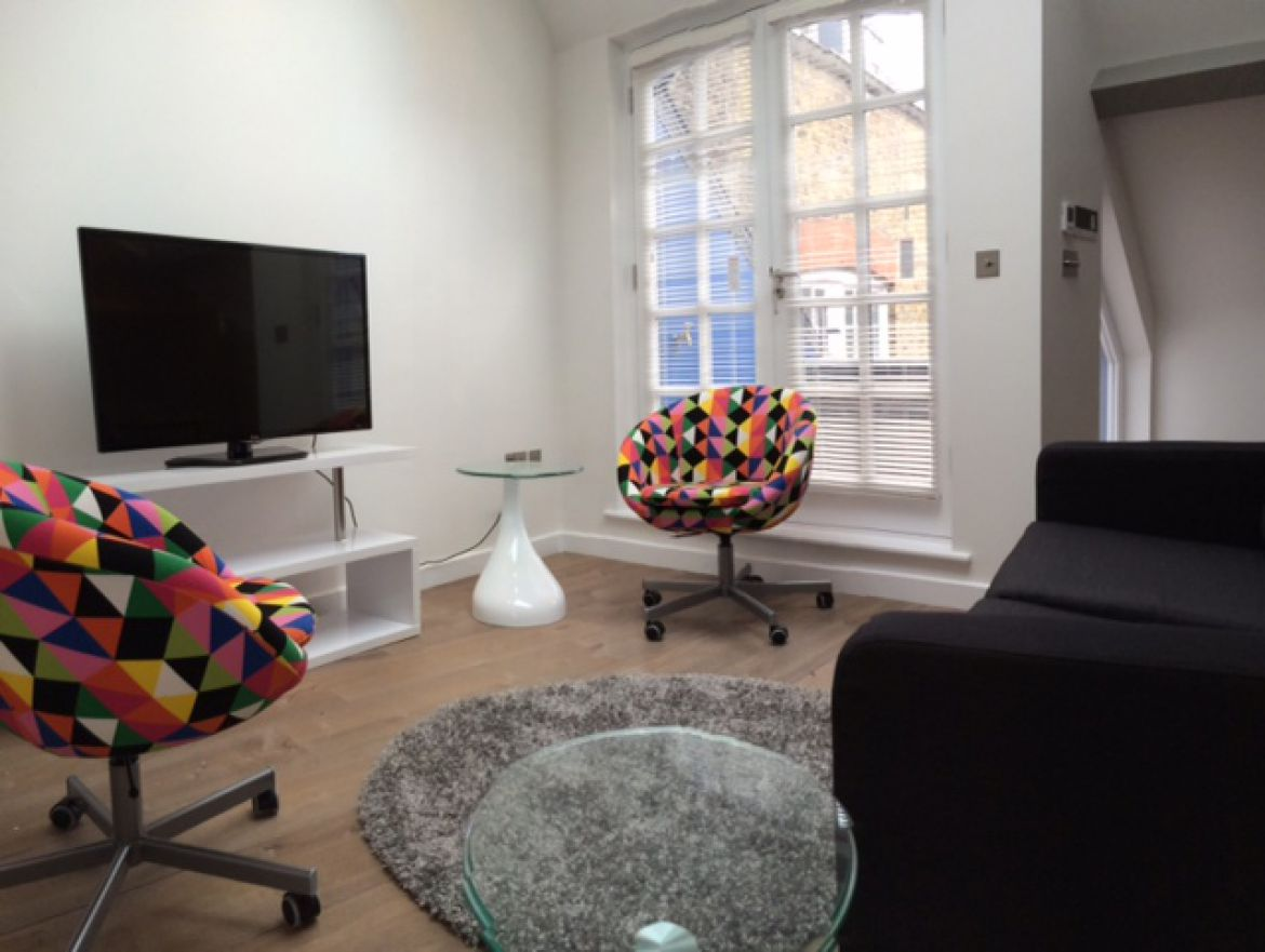 Stylish Living Room at Rose Street Serviced Apartments Covent Garden - Central London
