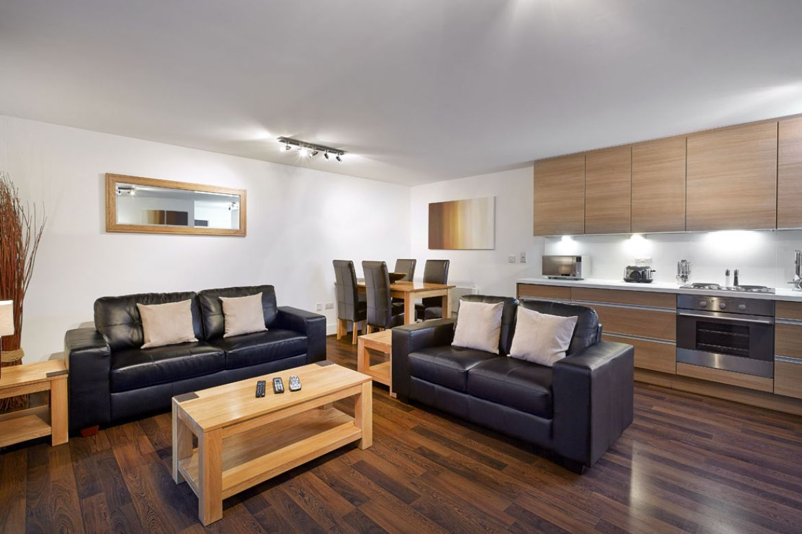 Kitchen-and-Living-Room-in-Skyline-Plaza-Apartments---Basingstoke-Serviced-Apartments,-UK