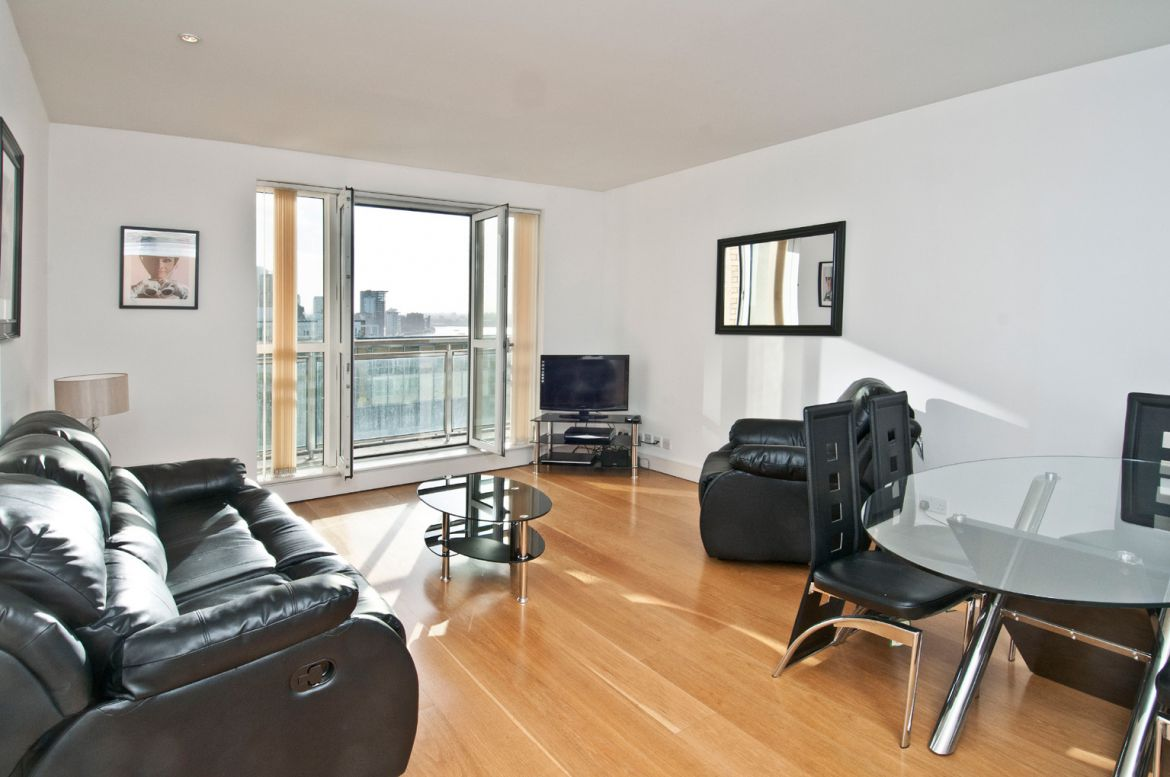 Canary-Riverside-Serviced-Apartments-Canary-Wharf,-London-|-Urban-Stay
