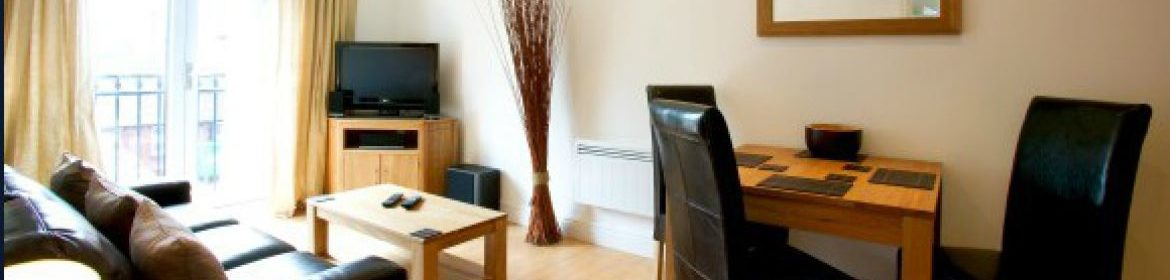 Newbury Short-Let Accommodation - Old Library Apartments Available Now! Book Corporate Serviced Apartments in Newbury! Free W-fi, Offsite Parking & Lift