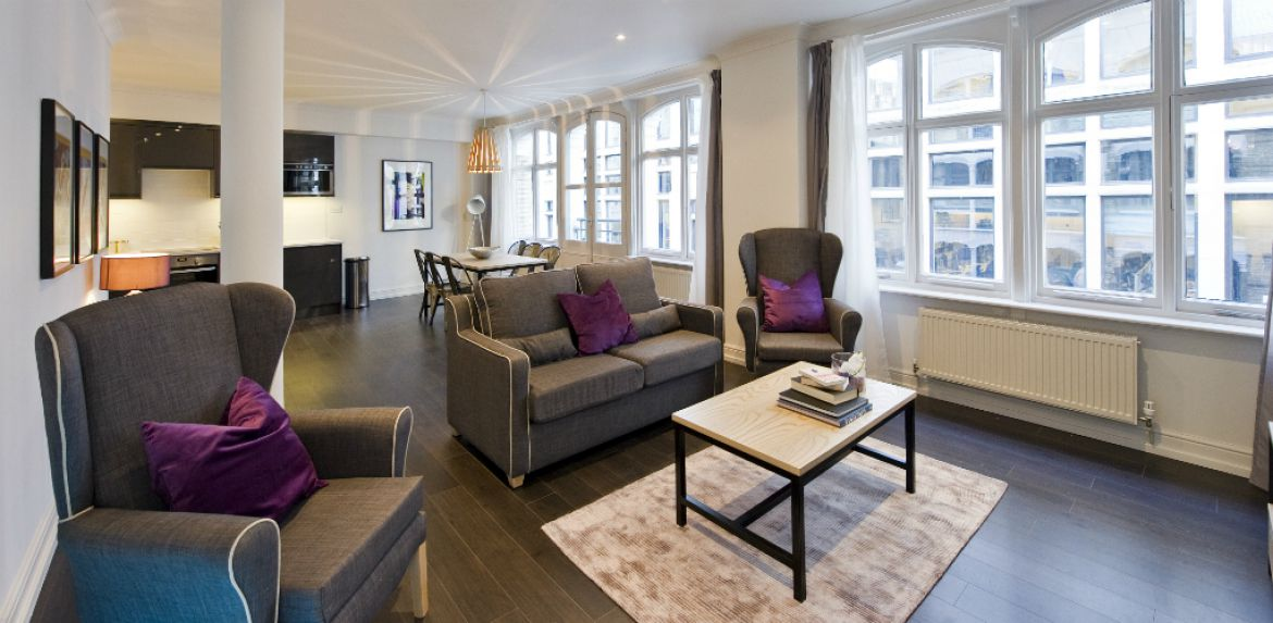 Living-Room-at-Creechurch-Serviced-Apartments-Aldgate,-London-|-Urban-Stay