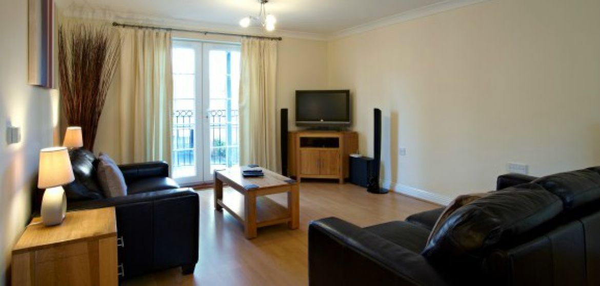 Short-Stay-Accommodation-Newbury---Stephenson-Court-Serviced-Apartments-Berkshire---Holiday-Accommodation-UK-|-Urban-Stay