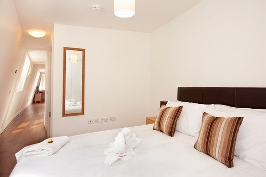 London City Apartments Liverpool Street - Urban Stay corporate accommodation - Bedroom