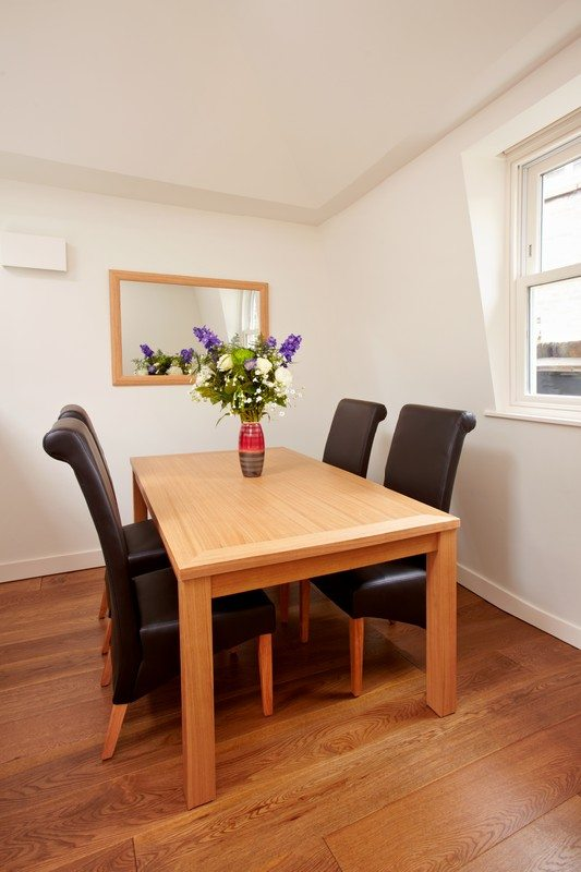 London-City-Apartments-Liverpool-Street---Urban-Stay-corporate-accommodation---Dining-Area