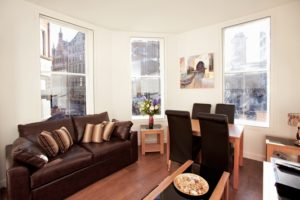 London City Apartments Liverpool Street - Urban Stay corporate accommodation - Living Room