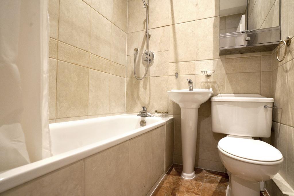 Luxury-Knightsbridge-Accommodation-London-Near-Harrods,-Hyde-Park,-Buckingham-Palace-Chesham-Court-Serviced-Apartments-Urban-Stay-10