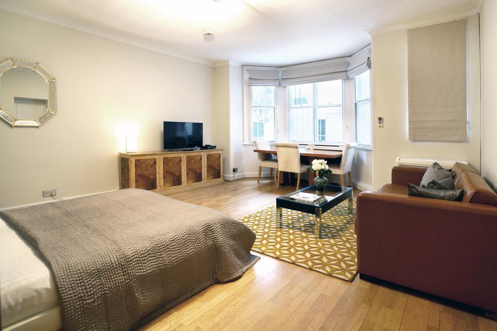 Luxury-Knightsbridge-Accommodation-London-Near-Harrods,-Hyde-Park,-Buckingham-Palace-Chesham-Court-Serviced-Apartments-Urban-Stay-13