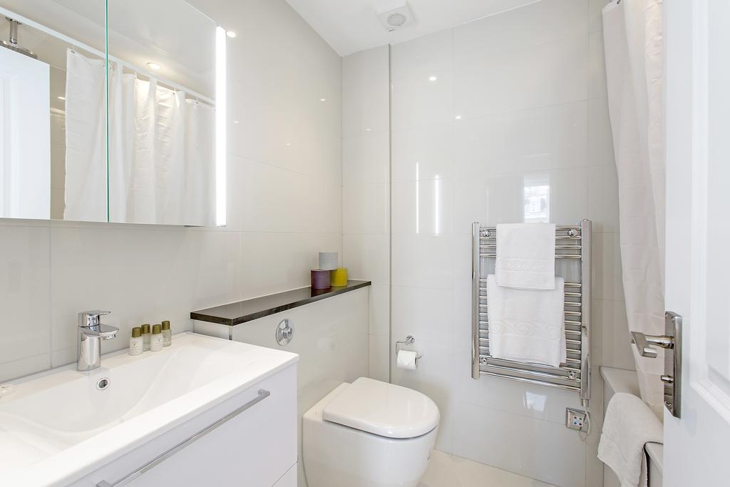 Luxury-Knightsbridge-Accommodation-London-Near-Harrods,-Hyde-Park,-Buckingham-Palace-Chesham-Court-Serviced-Apartments-Urban-Stay-16