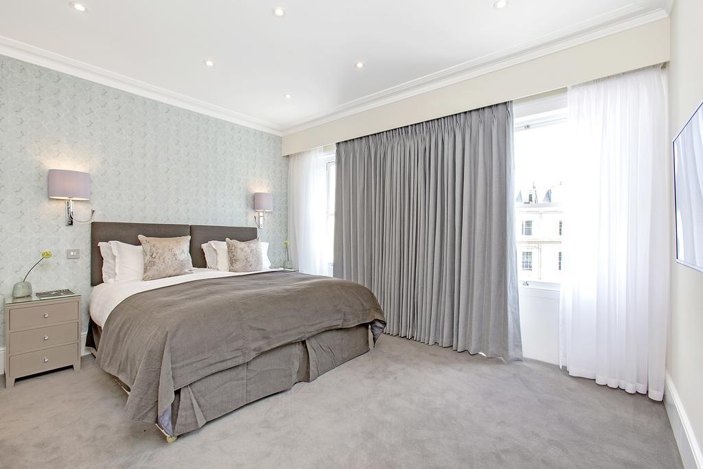 Luxury-Knightsbridge-Accommodation-London-Near-Harrods,-Hyde-Park,-Buckingham-Palace-Chesham-Court-Serviced-Apartments-Urban-Stay-17