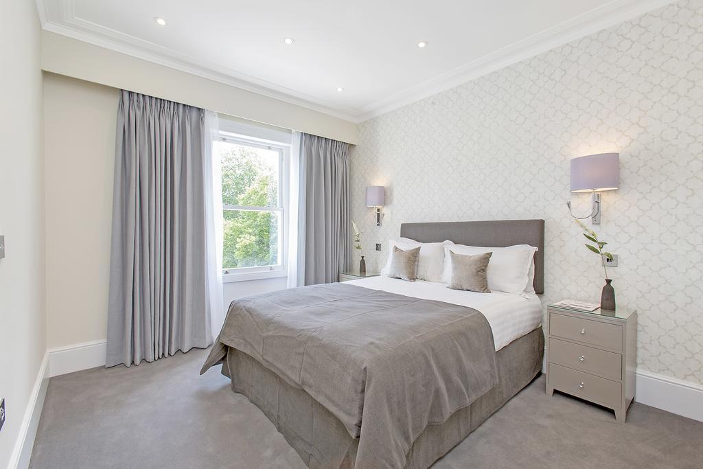 Luxury-Knightsbridge-Accommodation-London-Near-Harrods,-Hyde-Park,-Buckingham-Palace-Chesham-Court-Serviced-Apartments-Urban-Stay-2
