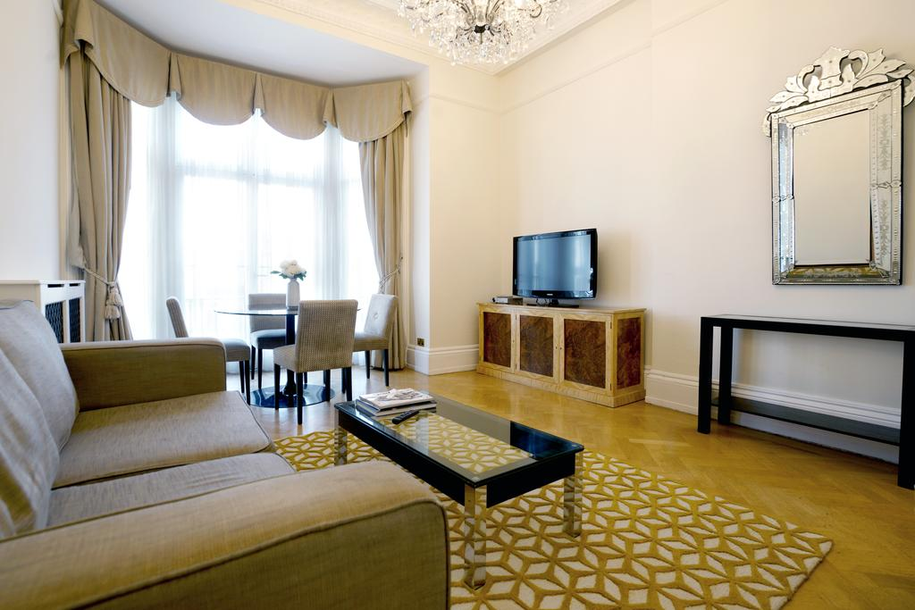 Luxury-Knightsbridge-Accommodation-London-Near-Harrods,-Hyde-Park,-Buckingham-Palace-Chesham-Court-Serviced-Apartments-Urban-Stay-7