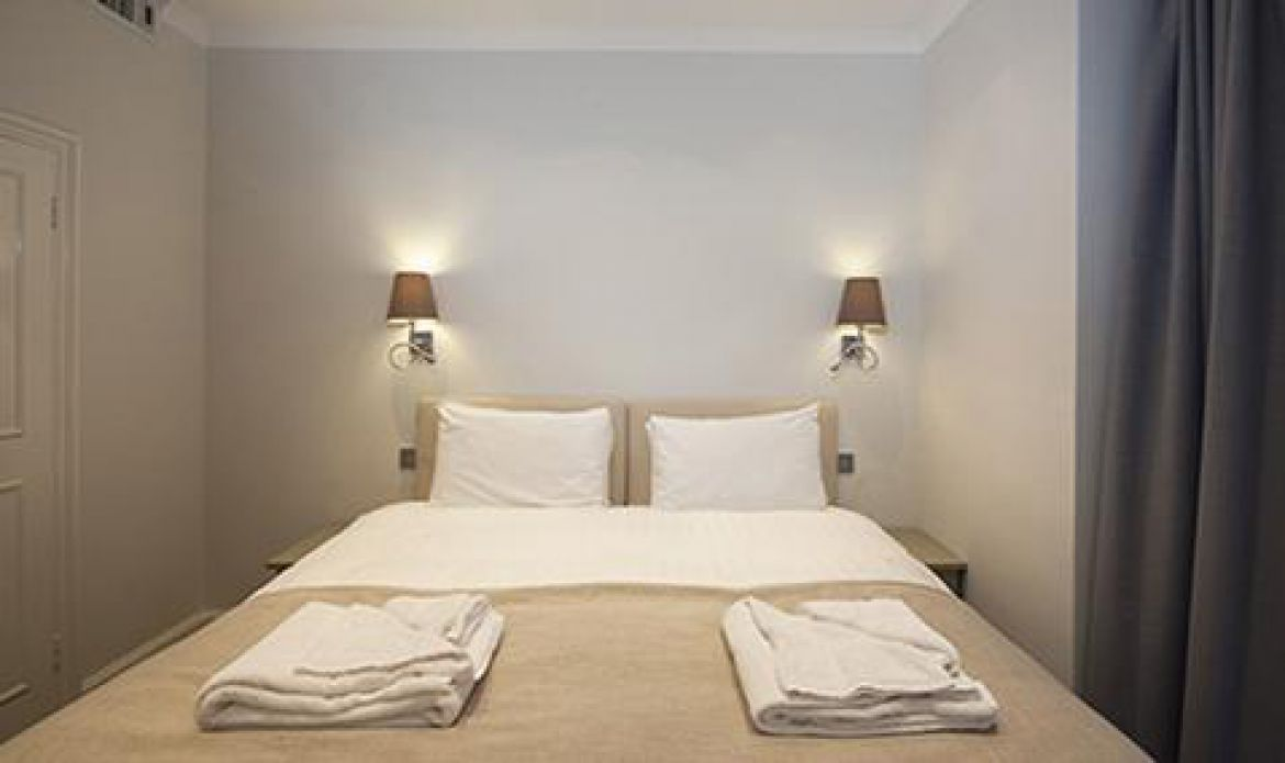 Manson-Place-Short-Stay-Apartments-South-Kensington---Serviced-Accommodation-London---bedroom