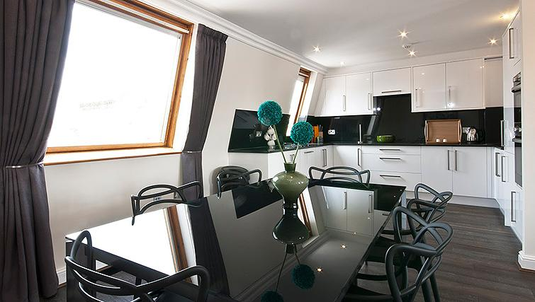 Manson Place Short Stay Apartments South Kensington - Serviced Accommodation London - kitchen 3