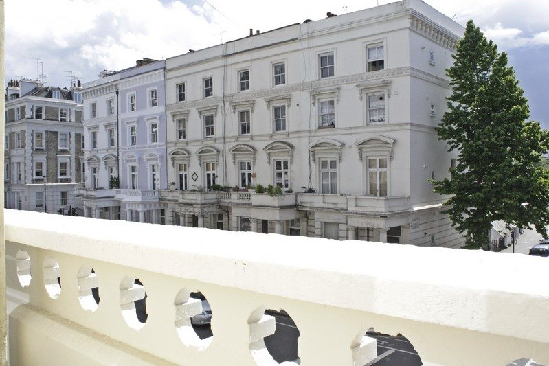 Notting Hill Apartments - Short Term Corporate Accommodation London by Urban Stay - Balcony View