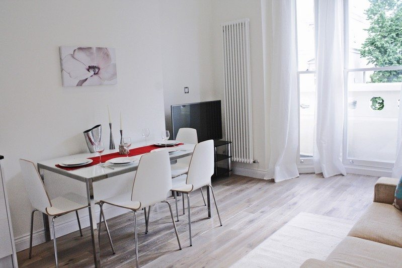 Notting-Hill-Apartments---Short-Term-Corporate-Accommodation-London-Urban-Stay---Dining-Area-311