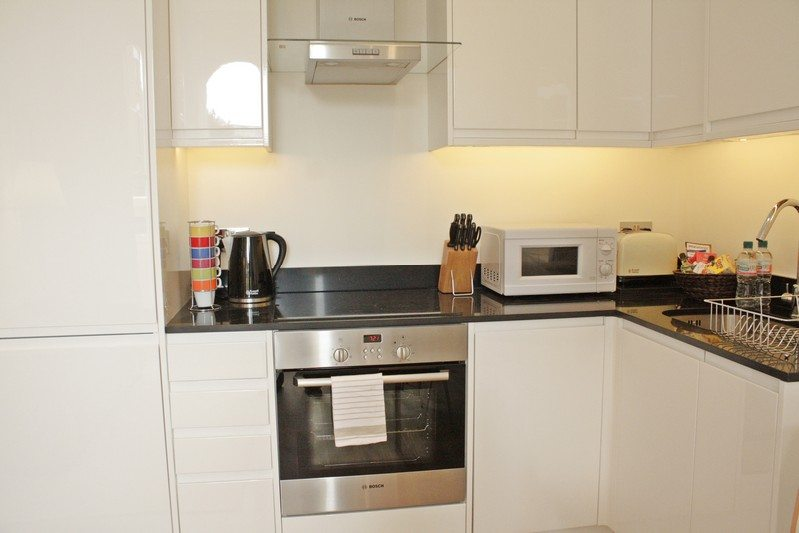 Notting Hill Apartments - Short Term Corporate Accommodation London by Urban Stay - Kitchen