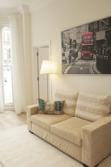 Notting Hill Apartments - Short Term Corporate Accommodation London by Urban Stay - Living Room 521