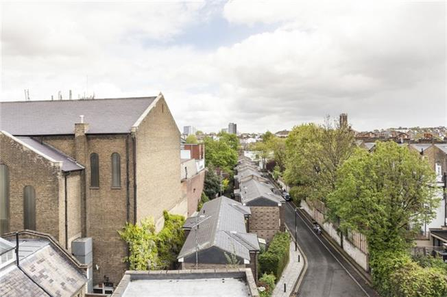 Notting-Hill-Apartments---Short-Term-Corporate-Accommodation-London-by-Urban-Stay---View-2