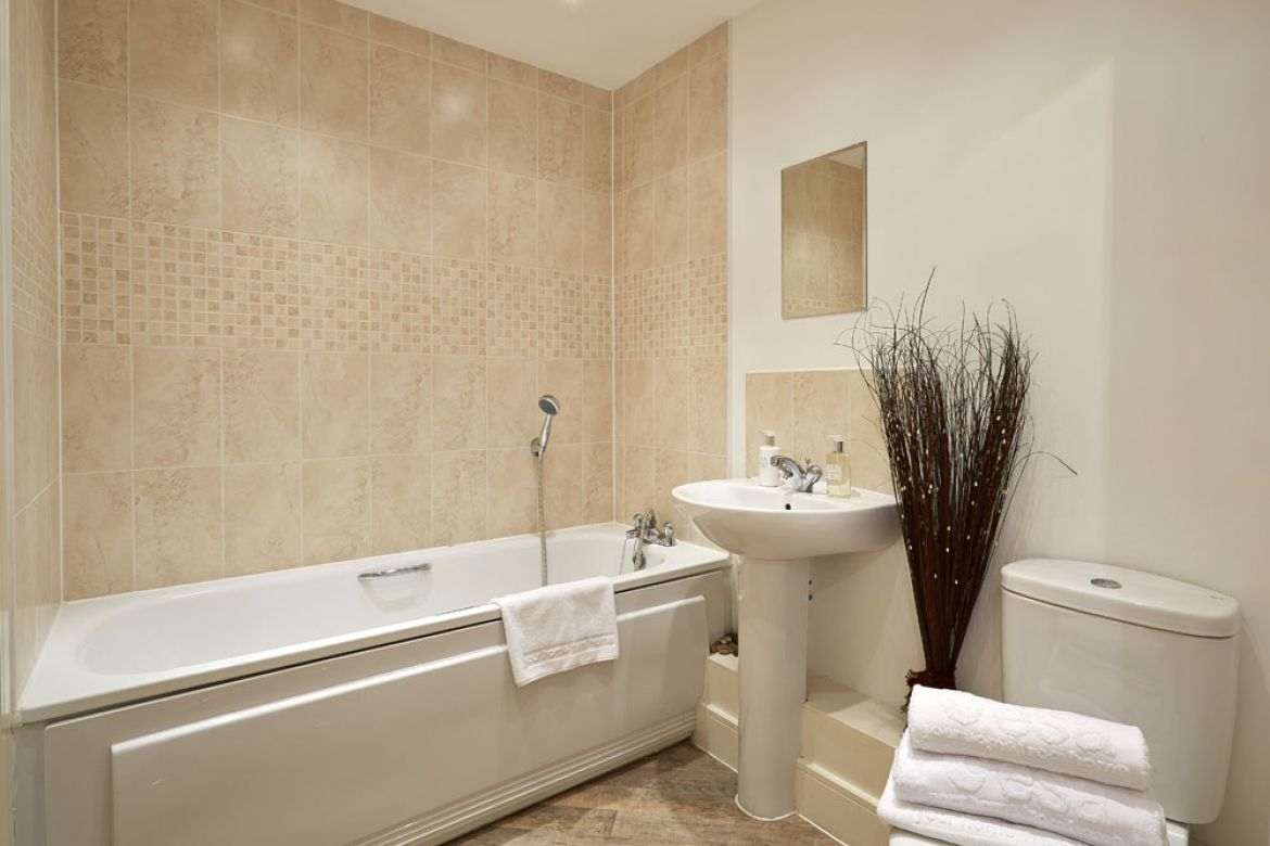 Pavilions-Windsor-serviced-apartments-UK---Urban-Stay-corporate-accommodation---bathroom-2