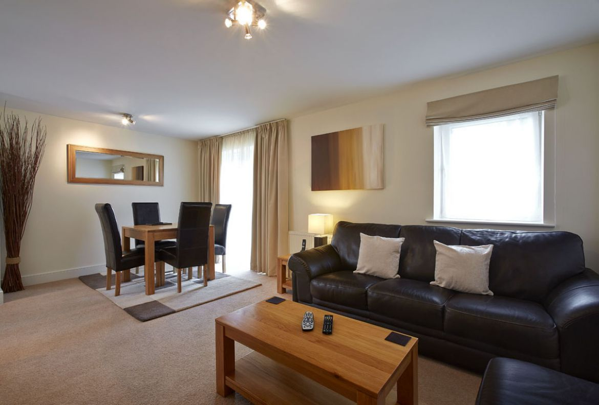 Pavilions-Windsor-serviced-apartments-UK---Urban-Stay-corporate-accommodation---living-room-2