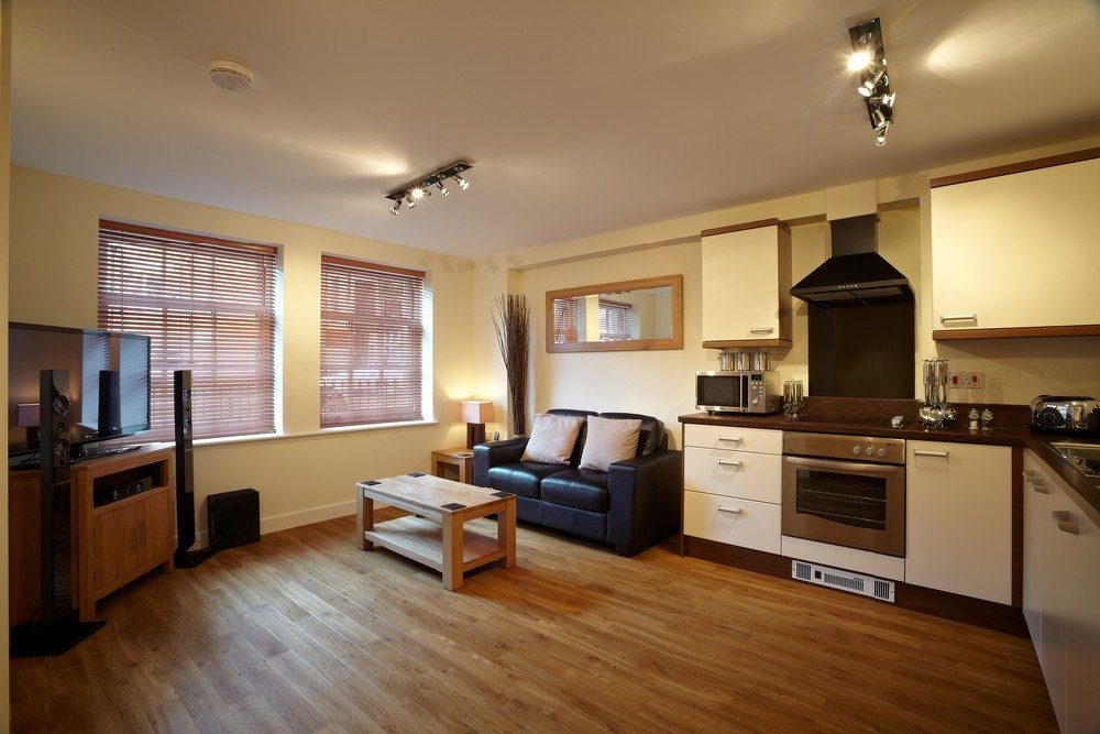 Serviced-Apartments-Bournemouth---Living-Room-and-Kitchen-in-Exchange-Buildings-Apartments---Urban-Stay