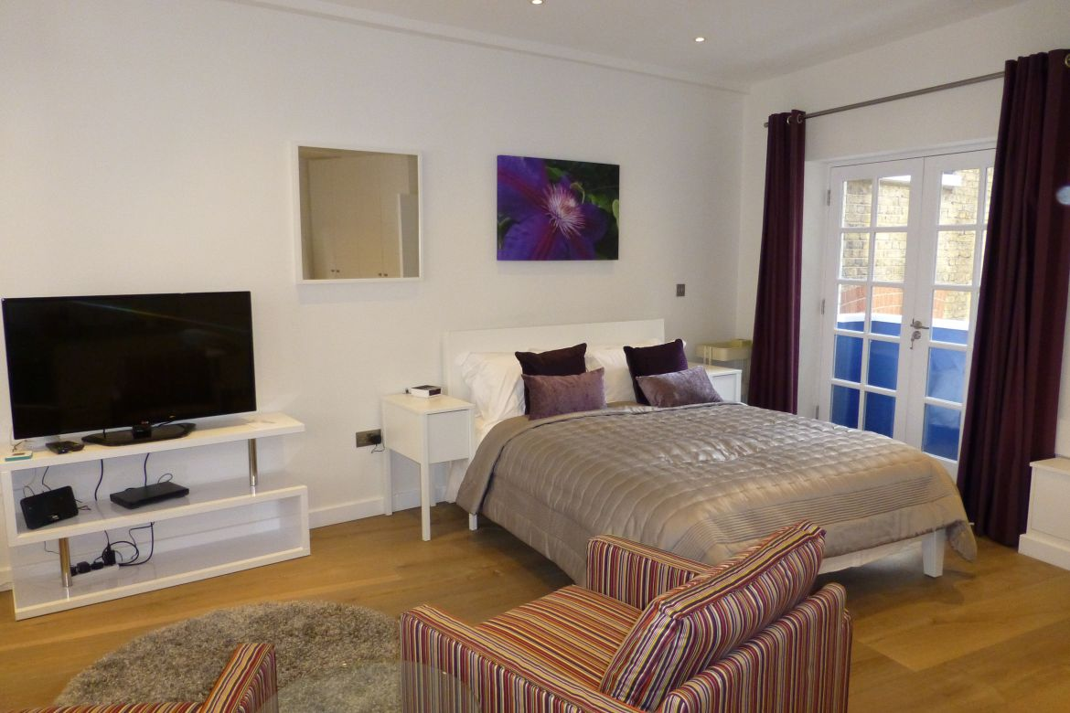 Studio Bedroom at Rose Street Serviced Apartments Covent Garden - Central London