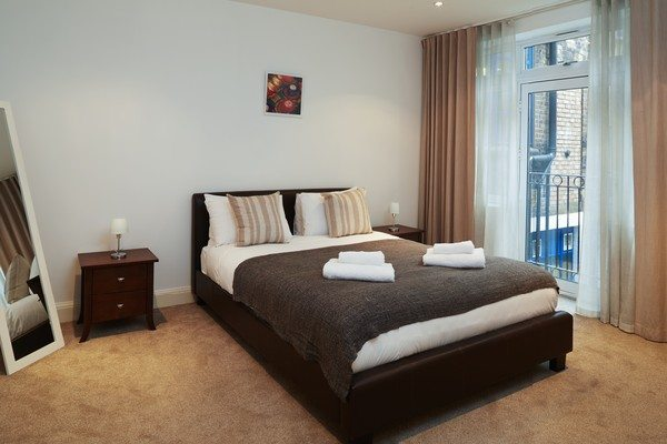 Vauxhall-Serviced-Apartments-South-London-Urban-Stay---Bedroom