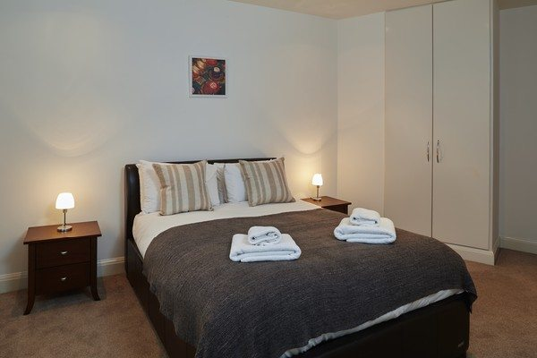 Vauxhall-Serviced-Apartments-South-London-Urban-Stay---Modern-Bedroom