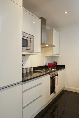 Vauxhall-Serviced-Apartments-South-London-Urban-Stay---Modern-Kitchen