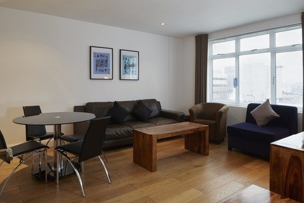 Vauxhall-Serviced-Apartments-South-London-Urban-Stay---Spacious-Living-Room