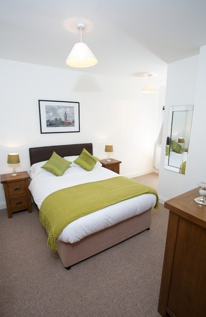 Yeovil-Serviced-Apartments-UK-bedroom---Urban-Stay-corporate-accommodation