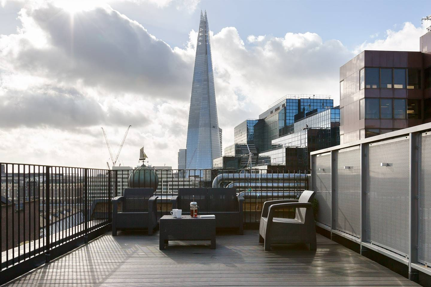 Luxury-Monument-Serviced-Apartments-City-of-London---Corporate-Serviced-Accommodation-London- -Urban-Stay