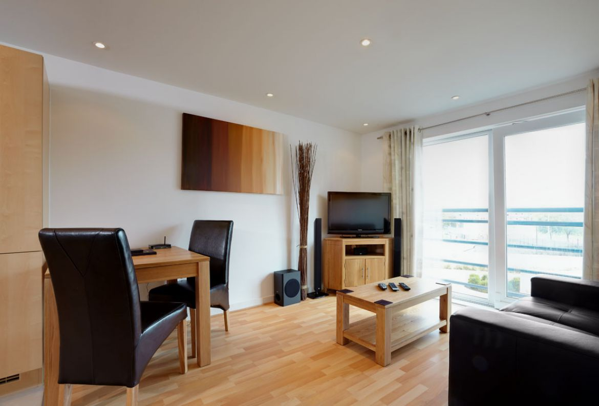 Portsmouth Serviced Apartments - The Crescent Short Stay Accommodation. Budget Accommodation Portsmouth - Cheap Airbnb Short Stay Apartments | Urban Stay