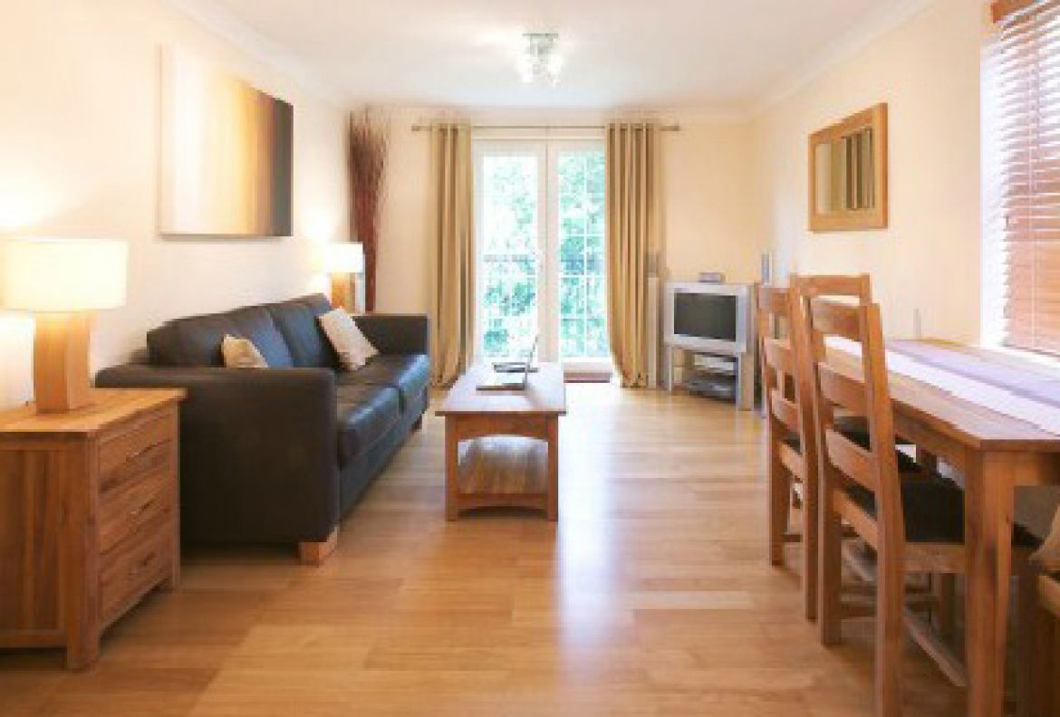 Brunel-Court-Serviced-Apartments-Newbury,-UK|-Urban-Stay
