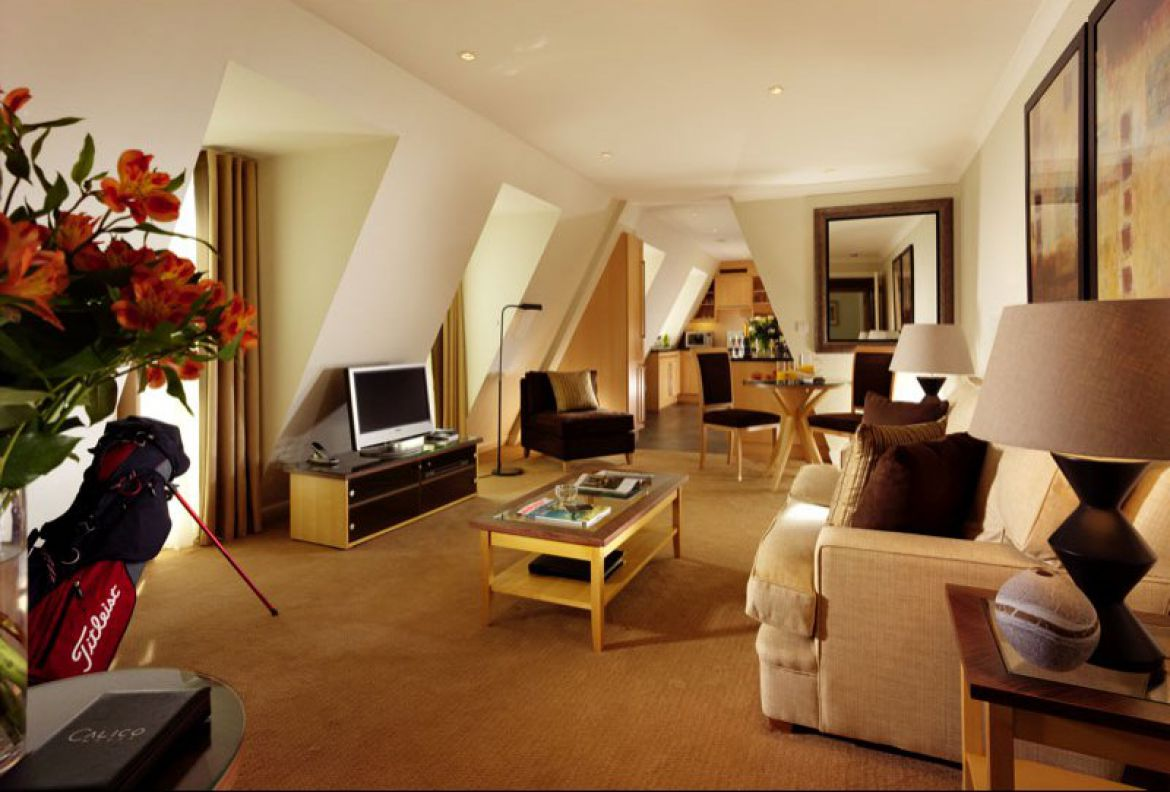 Calico-House-Bank-Serviced-Apartments-London-|-Urban-Stay