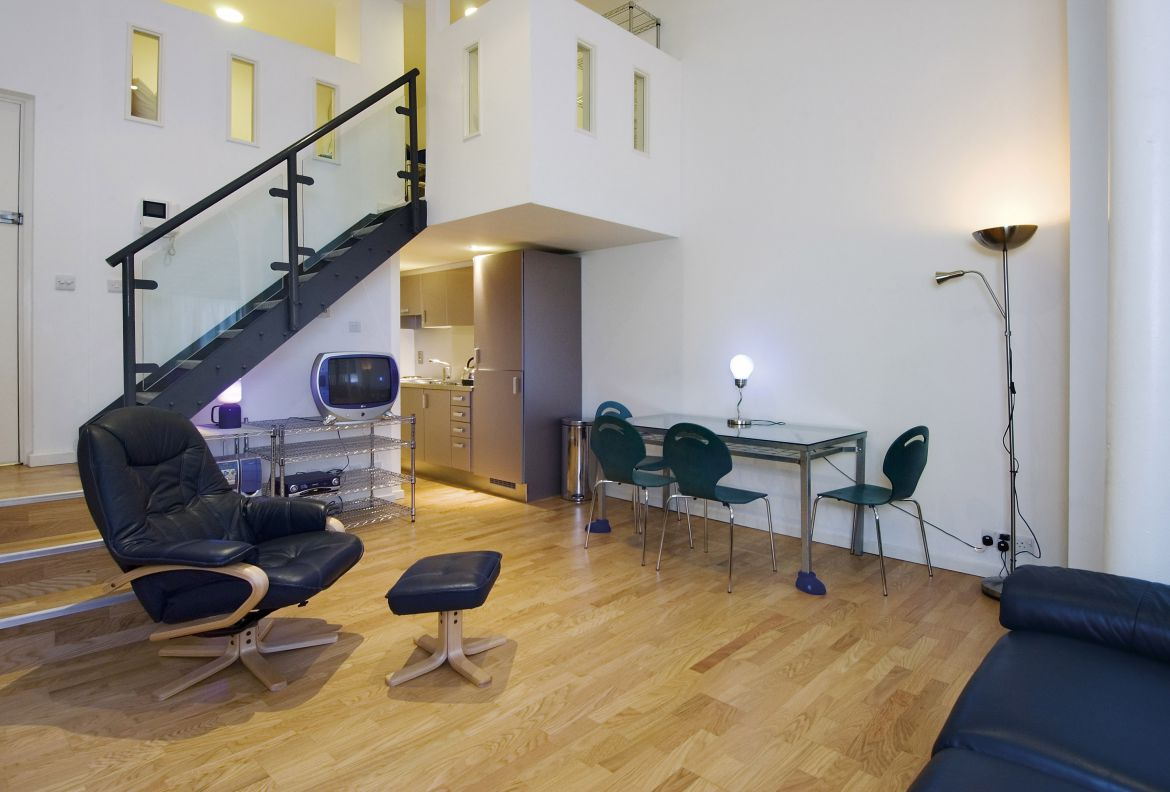 Ludgate-Square-Studio-Serviced-Apartment-Blackfriars,-London-|-Urban-Stay