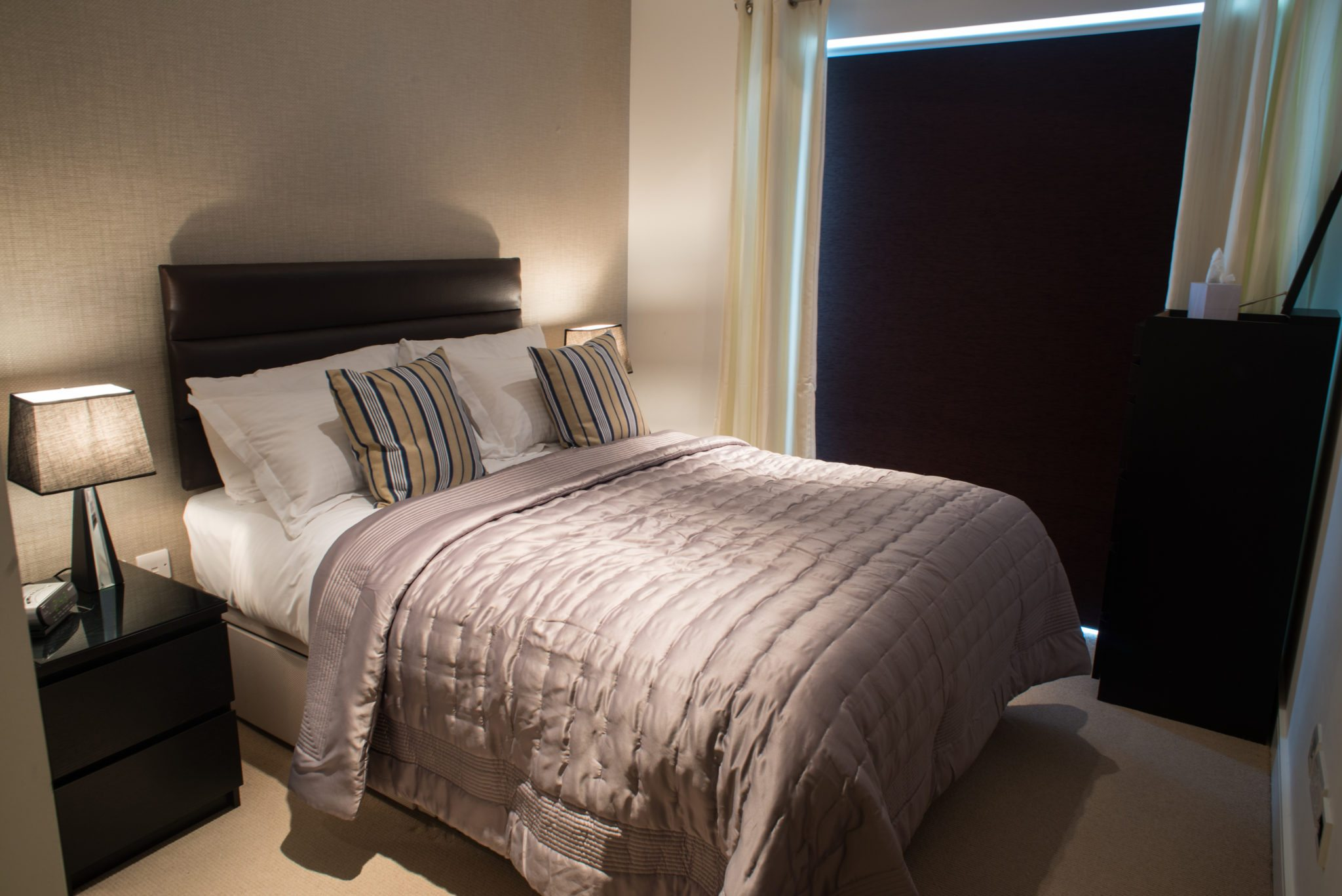 Serviced-Apartments-Ealing-|-Corporate-Accommodation-West-London-|-Short-Lets-|-Corporate-Housing-|-Relocation-|-Award-Winning-&-Quality-Accredited-BOOK-NOW---Urban-Stay