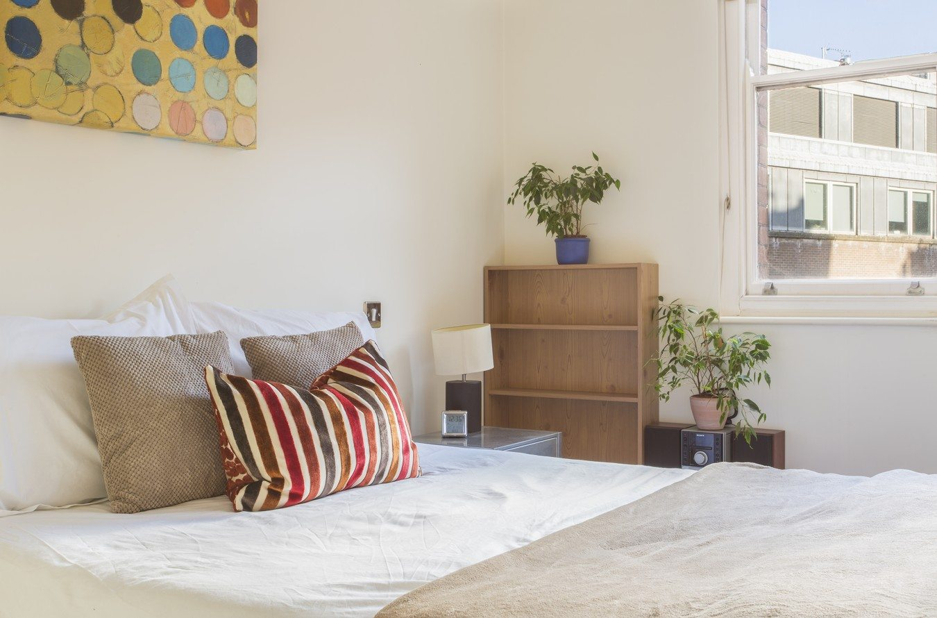 Liverpool-Street-Serviced-Apartments-London---Astral-House-Bedroom-for-2-|-Urban-Stay