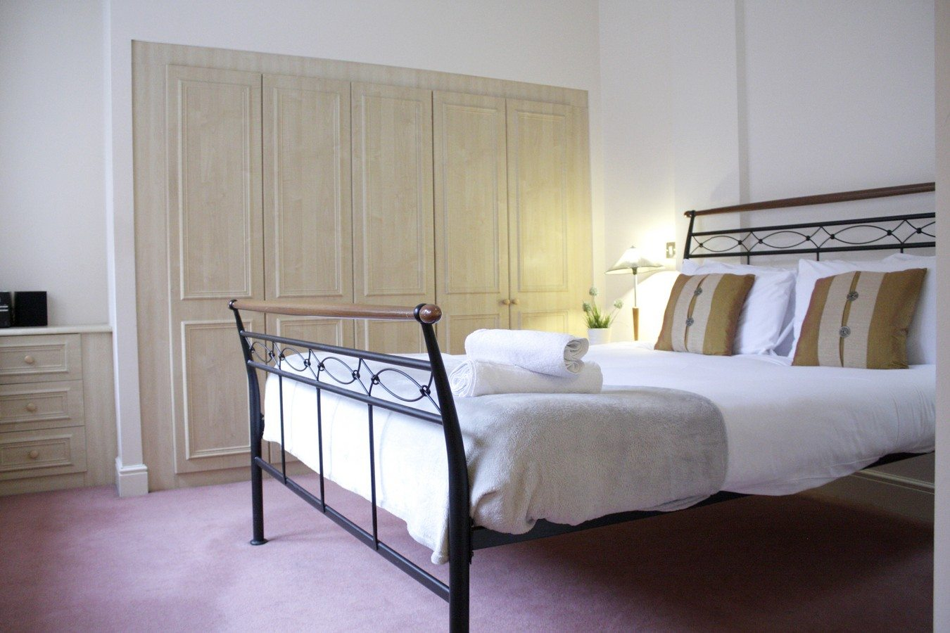Bedroom-of-Astral-House-Serviced-Apartments-Liverpool-Street---Corporate-Accommodation-in-the-City-of-London-26