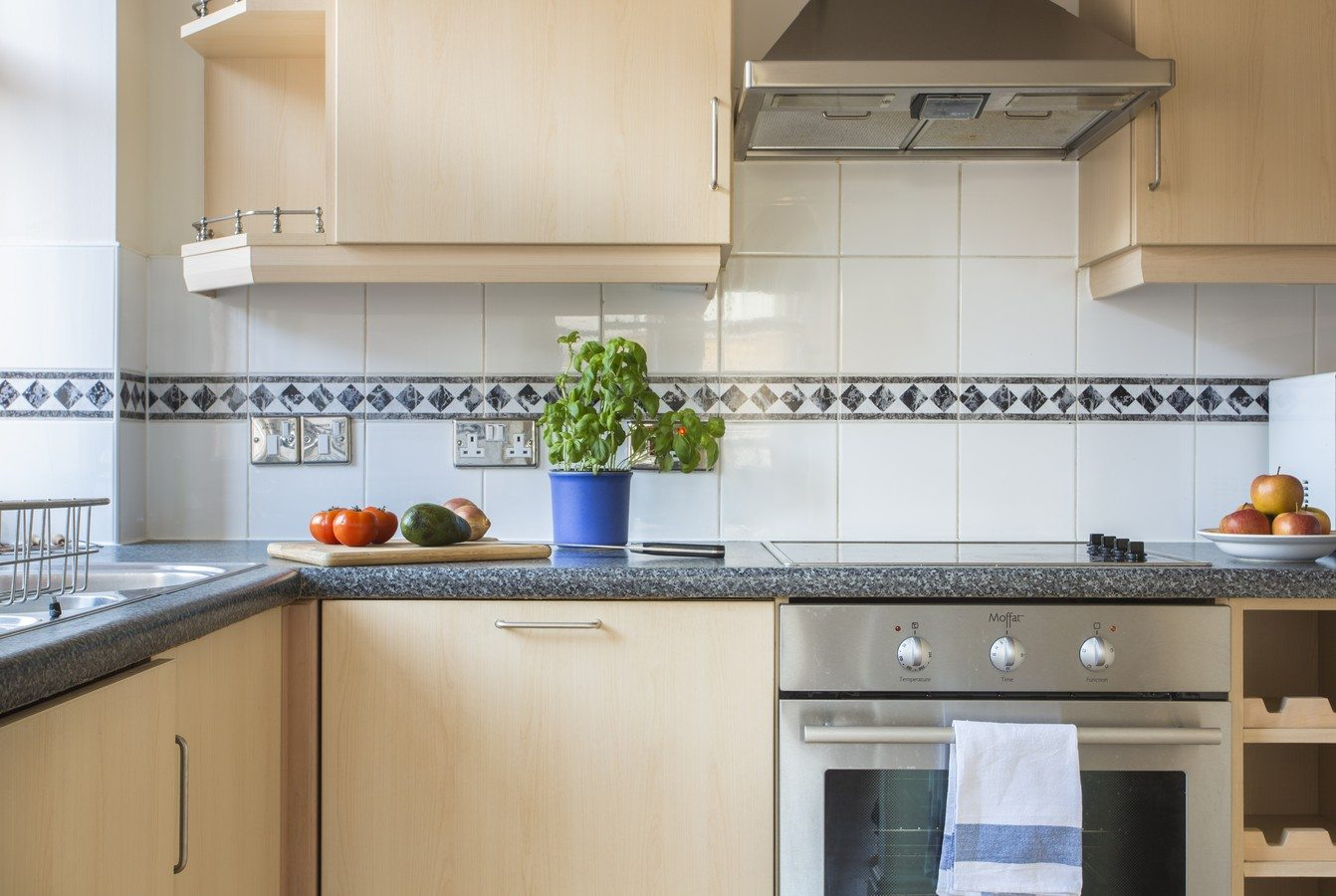 Liverpool Street Serviced Apartments London - Astral House Bright Kitchen | Urban Stay